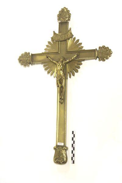 kruisbeeld in messing