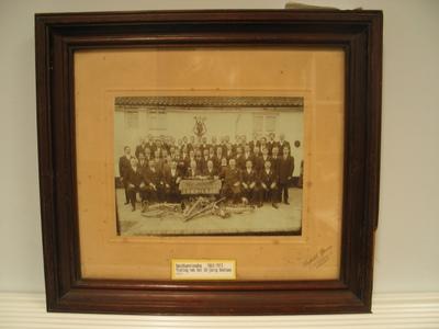 Portret van de Bacchusvrienden bij de viering van hun 50jarig bestaan in 1913.