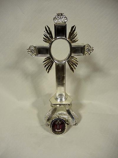 reliekkruis voor relikwie H. Kruis