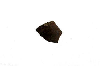 Randfragment van een Langerwehe drinkkruik.