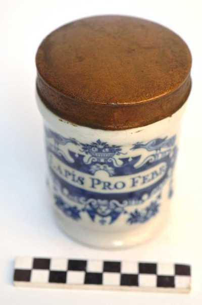 Delfts blauwe apothekerspot; LAPIS PRO FEBR :