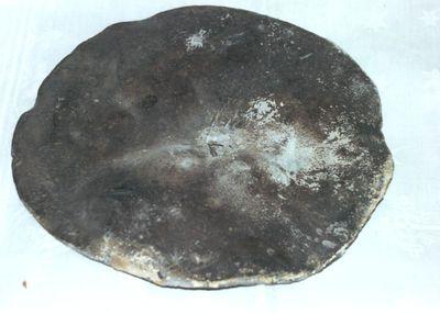 loden beschermkap behorende tot het beeld van Christus met doornenkroon