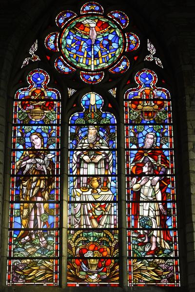 Glasraam 'De offers van Abel, Melchisedeck en Isaac'