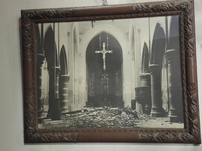 foto vernielde kerk 1940