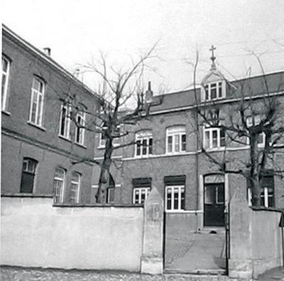 Ingang vroeger klooster en franse afdeling