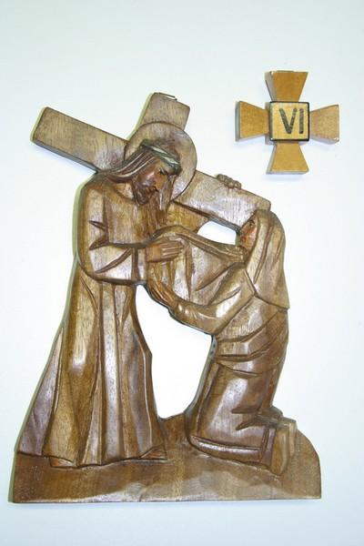 kruisweg statie 6 : Veronica droogt het gezicht van Christus af
