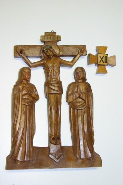 kruisweg statie 12 : Christus sterft aan het kruis