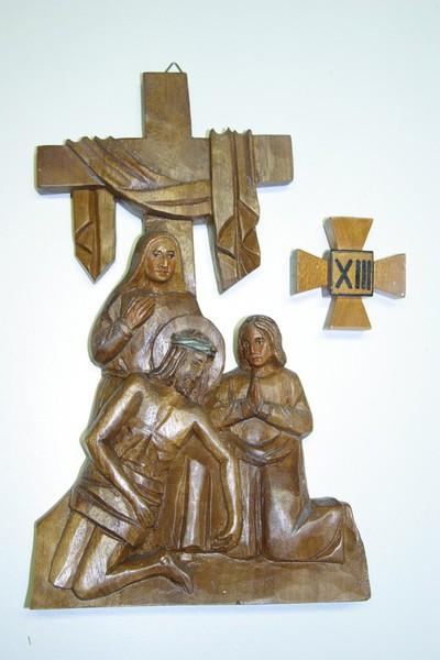 kruisweg statie 13 : Christus wordt van het kruis genomen