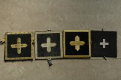 Zwarte bursa met zilver kruis