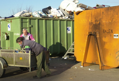 Balenaar moet betalen voor afvalzak en containerpark