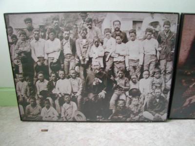 6 Foto's in verband met leven en werk van Damiaan op Molokai