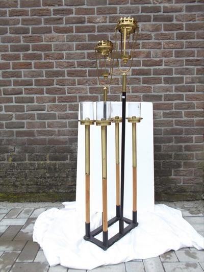 Set van 8 processielantaarns met houder