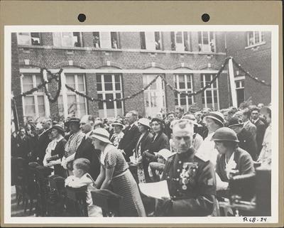 Eerste steenlegging Sint-Barbarakerk (1934) - misviering in open lucht.