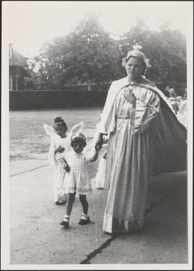 Processie - 'Koningin der Engelen' (1956).