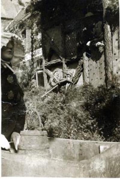 Foto: straatversiering: Hendrik, eerste burger van Hasselt, Minderbroedersstraat (Virga Jessefeesten, Hasselt, 1933)