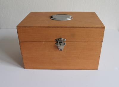 Een koffertje voor eucharistiebenodigdheden