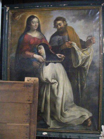 Maria hangt de rozenkrans om bij een zuster in het bijzijn van de heilige Jozef