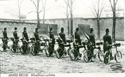 ARMÉE BELGE Mitrailleurs cyclistes.
