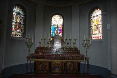 Maria en Joannes bij de gekruisigde Jezus; tekstbanderol: O crux ave spes unica.