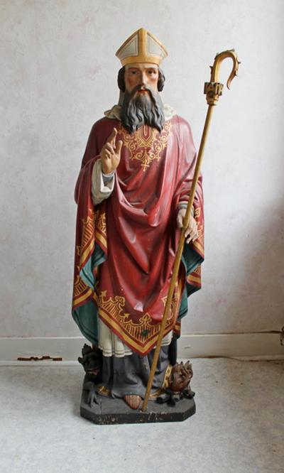 een houten gepolychromeerd beeld