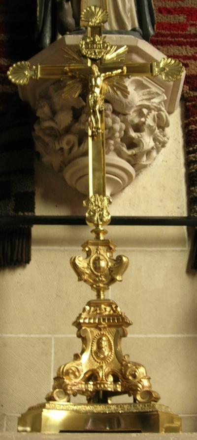 kruisbeeld altaarkruis