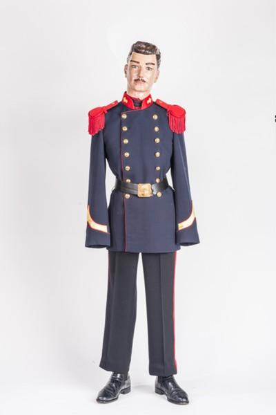 Grenadiers uniform naar het model van 1910.