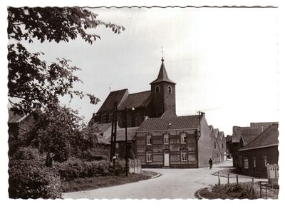 Neerlanden, zicht kerk en omgeving