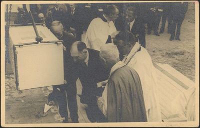 Eerste steenlegging van de Sint-Barbarakerk (1934)
