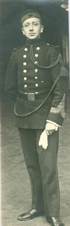 Commandant Van Damme.