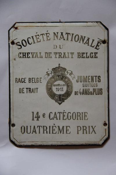Emaillen stalplaat, onderscheiding voor een trekpaardenmerrie van de fokkerij Van Doorslaer