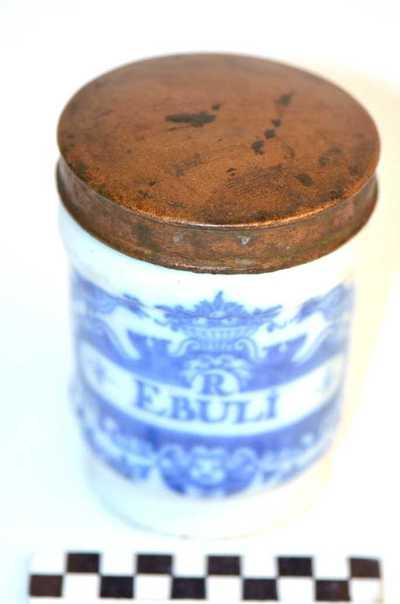 Delfts blauwe apothekerspot; R EBULI en SULPH: CHINÆ