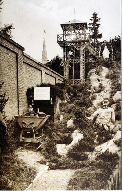 Foto: straatversiering: De koolmijners onder bescherming van Onze-Lieve-Vrouw, Sint-Jozefsstraat (Virga Jessefeesten, Hasselt, 1926)