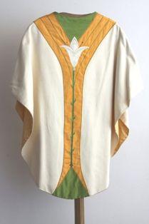 kazuifel - klokkazuifel in beige ribbelzijde, groene en oranje zijde en groen fluweel