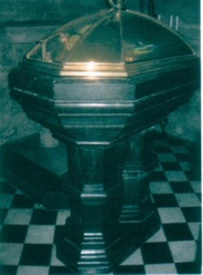 doopvont in de doopkapel