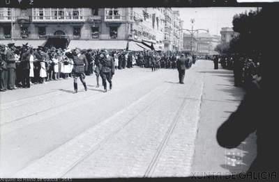 A Coruña [Visual] : [Desfile conmemorativo do terceiro aniversario do Alzamento polo Cantón Grande].