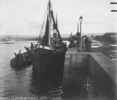 A Coruña [Visual] : [Peirao de Santa Lucía].
