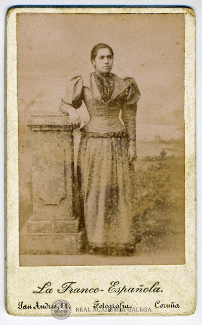 Retrato de muller non identificada