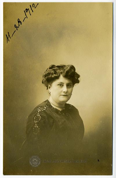 Retrato de muller non identificada [Julia Fernández Sanjurjo Vidal ?]