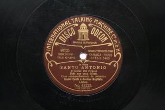 """Subi aos céus [da revista] """"Santo António"""""""