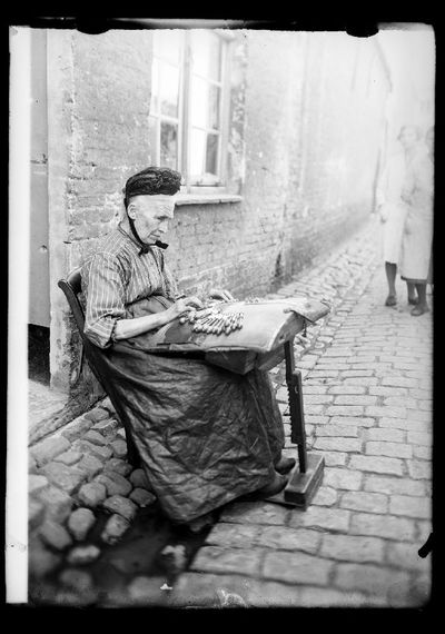 Dentellière: kantwerksters te Brugge