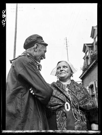 Type:  Kempisch paar  in traditionele klederdracht
