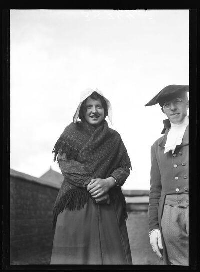 Type:  Kempisch meisje in traditionele klederdracht