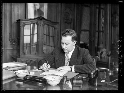 Senator Jozef Deschuyffeleer