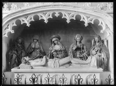 beeldengroep Jezus in het graf