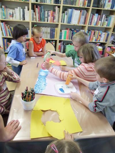 Przystanek rymowanek : warsztaty plastyczne z Lillą Wielgan - Michaluk w Oddziale dla Dzieci Miejskiej biblioteki Publicznej w Białej Podlaskiej, 28.04.2009 r.