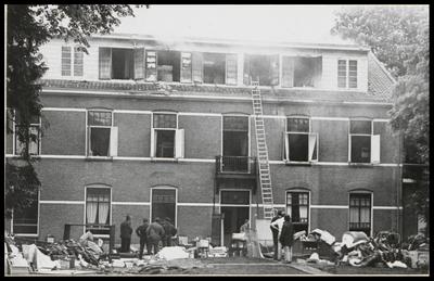 De bovenverdieping van huize De Hulshorst  aan de Dolderseweg 65 uitgebrand. Voorheen werd dit huis gebruikt als opvangcentrum voor gerepatrieerden.