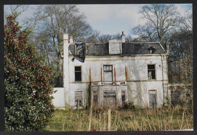 Een enorm verkrotte leegstaande villa, genaamd Tally-Ho Cottage, Driebergseweg 20, die eind 1994 volledig uitbrandde.