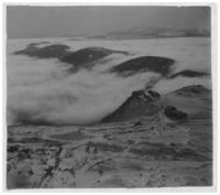 Chaîne des Puys, partie Sud, vue du Puy-de-Dôme, sous les nuages