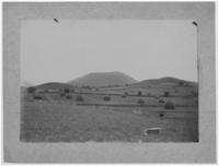 Petites buttes volcaniques au dessus de Nébouzat