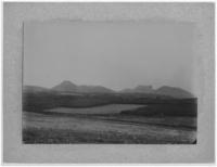 Vue prise près du Vauriat : les puys de Chopine, des Gouttes, l'Aumone, Clierziou, Puy-de-Dôme, Côme